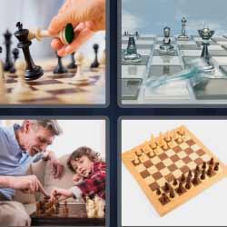 cuatro fotos una palabra tablero de ajedrez